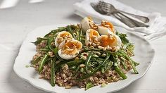 Tuna, brown rice, sumac and green bean salad. Leave out onion.