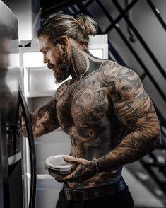 Sexy Tattooed Men, Bearded Tattooed Men, Bearded Men, Inked Men, Tatted Men, Hot Guys Tattoos, Just Beautiful Men, Look Man, Beard Tattoo
