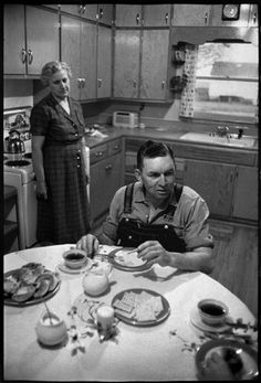 NEBRASKA—Farmers, 1957.  © Henri Cartier-Bresson / Magnum Photos
