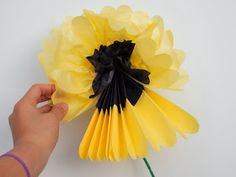 Pull apart tissue paper to create lovely two color tissue paper flowers Crafts To Make, Crafts For Kids, Arts And Crafts, Paper Crafts, Kid Art, Art For Kids, Deep Space Sparkle, Spring Art Projects, Birthday Bbq