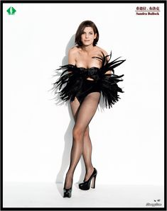 Sandra Bullock Hot and Near-nude pictures and photos. - Celebrities - Check out: The Hottest Sandra Bullock Photos on Barnorama Sandro, Sandra Bullock Legs, Beautiful Celebrities, Beautiful Women, Stunning Girls, Sexy Older Women, Latest Images, In Pantyhose, Look Fashion