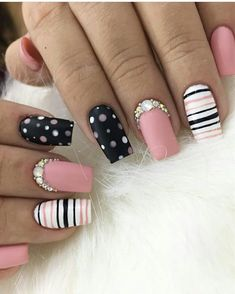 This pin was discovered by katherine deluca. Fancy Nails, Pink Nails, Cute Nails, Acrylic Nail Designs, Nail Art Designs, Acrylic Nails, Fabulous Nails, Perfect Nails, Stylish Nails