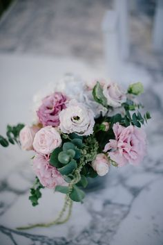 Pink Wedding Flowers | Borgo Stomennano in Tuscany | Intimate Wedding | Romantic Pink & Navy Colour Scheme | Marco Abba Videography | Lelia Scarfiotti Photography | http://www.rockmywedding.co.uk/claudia-mike/