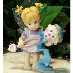 Little Rattle Fairy www.teeliesfairygarden.com This little rattle fairy creates rattles with a little magic in it. When shaken, the rattle gives off a sweet melody that makes baby calm and happy. Isn't that wonderful? #kitchenfairy