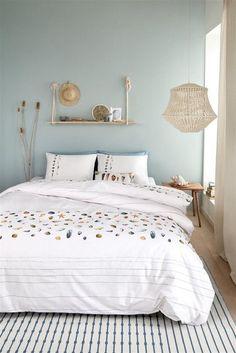 Inspiratie: dekbedovertrektrends 2019 - Lilly is Love Bedroom Wall Colors, Bedroom Green, Home Decor Bedroom, Master Bedroom, Natural Bedroom, Modern Bedroom Design, My New Room, Home Interior, Luxury Bedding