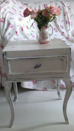 Upcycled vintage Shabby Chic single drawer bedside table Annie Sloan Old White Upcycled Home Decor, Upcycled Furniture, Furniture Sale, Painted Furniture, Furniture Ideas, Vintage Shabby Chic, Upcycled Vintage, Beach Room Decor, Annie Sloan Old White