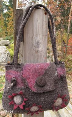 Eijan Kudontaputiikki: huovutus Huovutettu käsilaukku