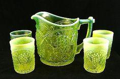 Uranium glass Palm Beach water set c. Water Glass, Milk Glass, Cut Glass, Glass Art, Antique Dishes, Tiffany Glass, Vaseline Glass, Antique Chandelier, Vintage Glassware