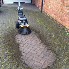 The Cubb Weed Brush...available for immediate dispatch nationwide  #weedremoval #mossremoval #weeds #moss #propertymaintenance #blockpaving #patiocleaner #commercialquality #landscaping #groundsmaintenance #patio #driveway #tarmac #paving #british #sheffield #engineering #britishengineering #hydraulic #farming #chemicalfree #eco #environmentallyfriendly #ecofriendly #kawasaki #drivewaycleaning