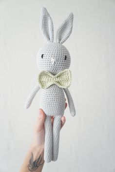 How to Crochet a Bear - Crochet Ideas Crochet Baby Toys, Crochet Diy, Crochet Bunny, Freeform Crochet, Love Crochet, Crochet Gifts, Crochet Animals, Crochet For Kids, Crochet Dolls