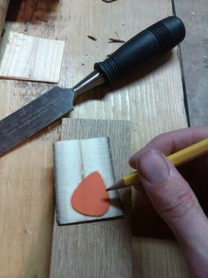 How to make wood guitar picks for less than the price to buy them - Imgur