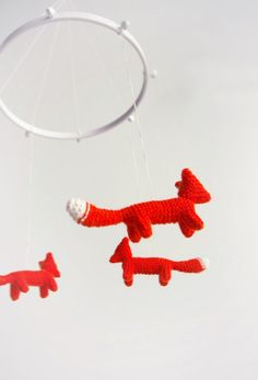 Baby nursery mobile (babies see primary colors like red easily!) #DIY