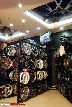Tyre shop, mechanic garage, auto parts store, garage design, accessories sh Showroom Design, Shop Interior Design, Store Design, Interior Decorating, Decorating Blogs, Car Accessories For Guys, Accessories Shop, Interior Car Wash, Tyre Shop