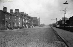 Newton Heath, Oldham Road, looking towards Oldham 1936 Old M, Soul Singers, Good Old, Manchester, The Past, England, Places, Memories, Retro