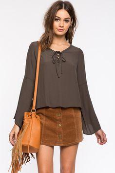 Блуза Размеры: S, M, L Цвет: оливковый, белый Цена: 1353 руб.     #одежда #женщинам #блузы #коопт