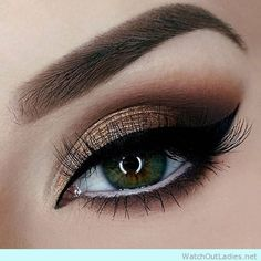 Shimmery eyeshadow for party make up