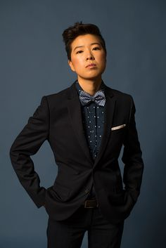 Queer fashion because she is wearing a suit and has short hair. Queer fashion because she is wearing a suit and has short hair. Butch Fashion, Queer Fashion, Tomboy Fashion, Fashion Hair, Fashion Dresses, Androgynous Look, Androgynous Fashion, Androgyny, Prom Outfits
