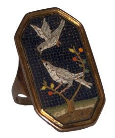 Georgian micromosaic gold ring with doves — Bruschini Tanca Antiques