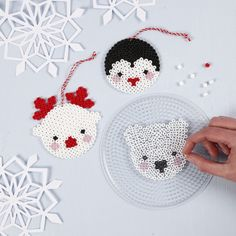 These three polar animals are made from Nabbi Fuse beads. All beads are placed on a peg board and melted together with an iron under a piece of baking paper. Perler Bead Designs, Hama Beads Design, Pearler Bead Patterns, Diy Perler Beads, Perler Bead Art, Perler Patterns, Loom Patterns, Hama Beads Coasters, Art Patterns