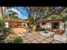 Dean Martin's former Brentwood hacienda sells for over the asking price - Los Angeles Times ranch-style Hacienda Style Homes, Spanish Style Homes, Ranch Style Homes, Spanish House, Spanish Hacienda Homes, Spanish Revival, Spanish Colonial, Spanish Haciendas, Spanish Exterior