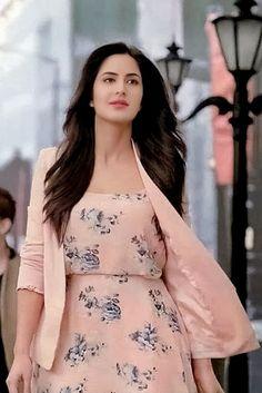 Katrina Kaif Katrina Kaif Hot Pics, Katrina Kaif Images, Katrina Kaif Photo, Bollywood Girls, Bollywood Fashion, Bollywood Stars, Beautiful Bollywood Actress, Beautiful Actresses, Indian Celebrities
