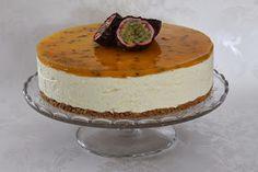 Tarun Taikakakut: Passionjuustokakku (26cm) Iso, Cheesecake, Desserts, Tailgate Desserts, Deserts, Cheesecakes, Postres, Dessert, Cherry Cheesecake Shooters