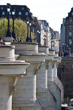 Paris est une Fête! — Pont Neuf, Paris.