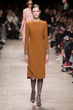 Rochas at Paris Fashion Week Fall 2017 - Runway Photos