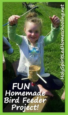 Create an easy and fun *Bird Feeder Craft* with your kids! Also includes FREE nature study resources. (HolySpiritLedhomeschooling.net) Bird Feeder Craft, Best Bird Feeders, Homemade Bird Feeders, Fun Crafts For Kids, Summer Crafts, Toddler Crafts, Craft Activities For Kids, Nature Crafts, Decor Crafts