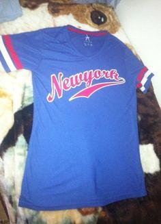 Kup mój przedmiot na #vintedpl http://www.vinted.pl/damska-odziez/koszulki-z-krotkim-rekawem-t-shirty/11052635-duza-koszulka-dziurki-new-york-nocna-atmoshopere