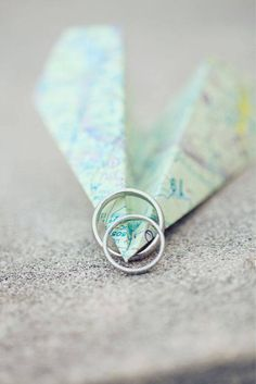 Another cute idea with maps and our ring for long distance relationship couples