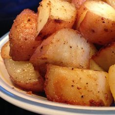 Ingredients 1 pound red potatoes, quartered 2 tablespoons diced onion 2 tablespoons butter, melted 1 tablespoon honey 1 teaspoon dry mustard 1 pinch salt 1 pinch ground black pepper Directions Preheat oven to 375 degrees F (190 degrees C). Lightly coat an 11×7 inch baking dish with nonstick cooking spray. Place potatoes in a single …