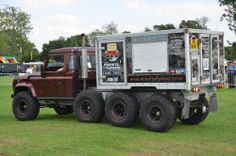 World's First 8 Wheel Drive Land Rover Defender   Monster Tuning Ltd.