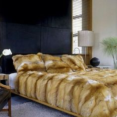 Our premium quality real fur blankets & throws are made from expert furriers and tailors combining the finest fur hides and materials with technical expertise. Faux Fur Bedding, Fur Decor, Fur Accessories, Fur Blanket, Sheepskin Rug, Fur Throw, Comfy Bed, Soft Blankets, Red Fox