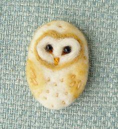 Barn Owl Brooch, Needle felted brooch, Bird, Wool, Felt Brooch, Pin, Gifts for her, teacher, graduate, bird lover