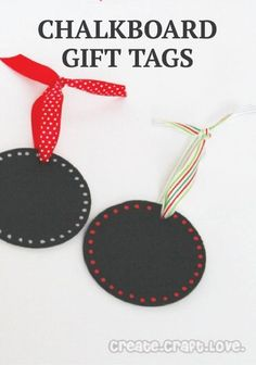 Spruce up your holiday gift with these cool chalkboard DIY gift tags for Christmas. :) | Creative Gift Wrapping