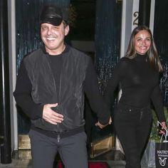 Luis Miguel reaparece junto a su novia sonriente y más delgado