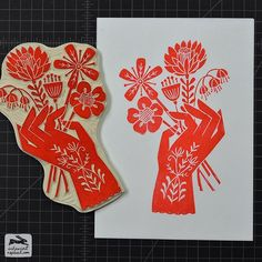 Gorgeous linoleum print of a hand holding flowers printed with bright orange-red ink. Stamp Printing, Screen Printing, Linocut Prints, Art Prints, Block Prints, Linoleum Block Printing, Linoprint, Arte Popular, Art Graphique