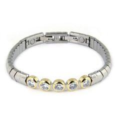 Sjieke armband met # Swarovski steentjes. En magneetjes natuurlijk voor het zelfherstellend vermogen voor uw lichaam. € 75,00
