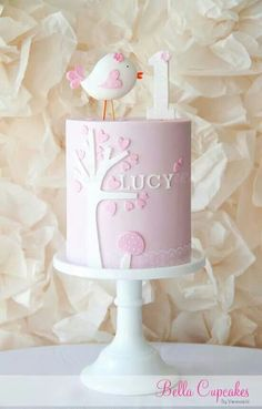 ideas baby shower girl cupcakes children for 2019 Baby Girl Birthday Cake, Baby Girl Cakes, 1st Birthday Cakes, Birthday Ideas, Pretty Cakes, Cute Cakes, Patisserie Fine, Baby Shower Cupcakes For Girls, Girl Cupcakes