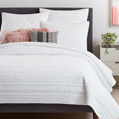 west elm offers modern furniture and home decor featuring inspiring designs and colors. Create a stylish space with home accessories from west elm. Chevron Bedding, White Bedding, White Coverlet, Striped Bedding, West Elm, Camas Twin, Textured Duvet Cover, Upstate New York, Shop Interiors