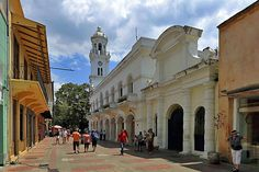 The old main street of colonial Santo Domingo | Best ways to experience the Dominican Republic | Weather2Travel.com #caribbean #dominicanrepublic #travel