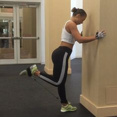 These isolated leg curls are great for at-home workouts or when you don't have access to equipment! Strap the ankle attachment around the base of the foot of the leg you're curling with the metal attachment at the top. Remember to squeeze and use controlled movements for 15 reps on each leg.  These lateral bands are available on Getfitandthick.com @getfitandthick  #fitandthickworkout #fitandthickresistancebands