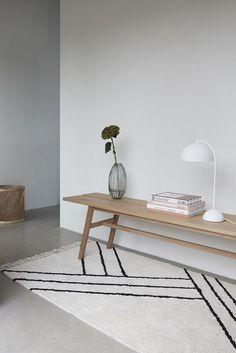Moderne Holzbank - Hübsch Interior #nordic #living #möbel #skandinavisch