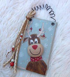 #christmas #reindeer #giftideas #gettingready #xmas #2018 #pebbleart #handmade #handpainted #madewithlove❤️ #paintedstones #rockpainting #modernart #stoneart