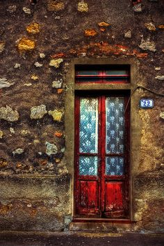 What's behind the red door Iano, Tuscany, Italy? Cool Doors, Unique Doors, Knobs And Knockers, Door Knobs, When One Door Closes, Door Gate, Grand Entrance, Windows And Doors, Red Doors
