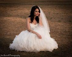 Bride Photo.  Wedding Photo. Wedding Dress. Wedding Photography. Jon Reindl Photography.
