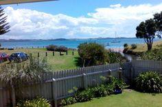 Bay Retreat - Absolute Be-Tapeka Point (Russell)-Bach or holiday home