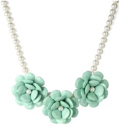Mint Green Flower Pearl Necklace