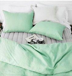 Mint green bedlinen
